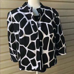 East 5th women's large jacket. Giraffe print
